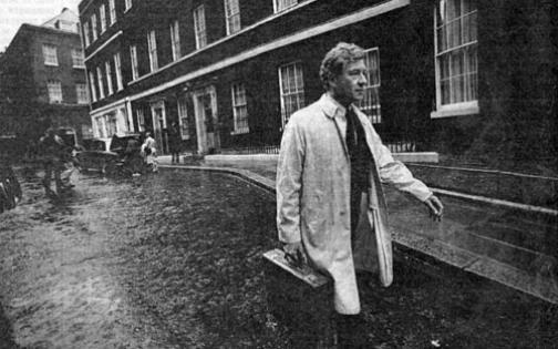 Ian McKellen on his way to meet Prime Minister John Major in 1991